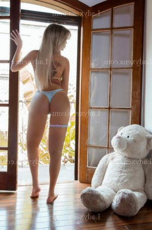 Andjaly massage tantrique rencontre libertine escorte girl