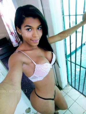 Willene escortgirl plan cul